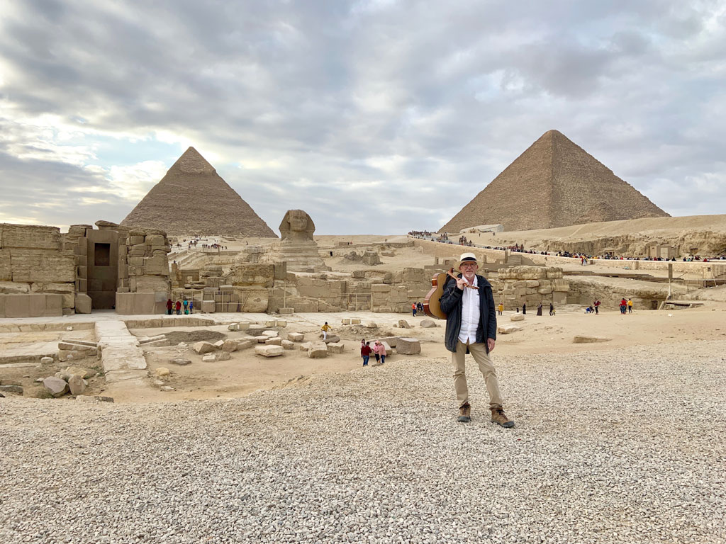 Don Ablett With His Voyage Air At The Pyramids And Sphinx In Giza